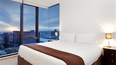 Melbourne Apartment_Southbank_Master_Bedroom