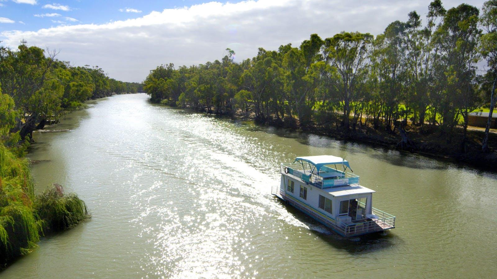 Edward River Houseboats