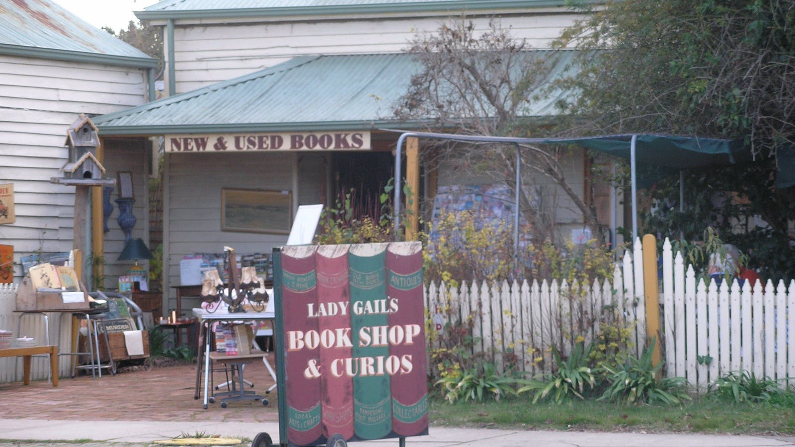 Lady Gails Bookshop and Curios