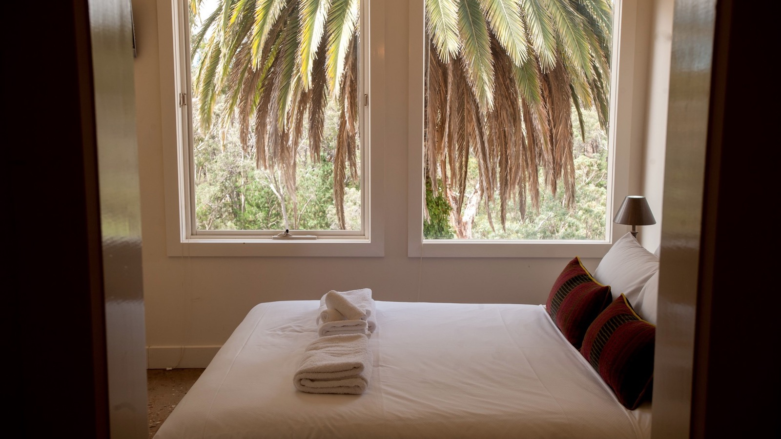 Deluxe spa guest room