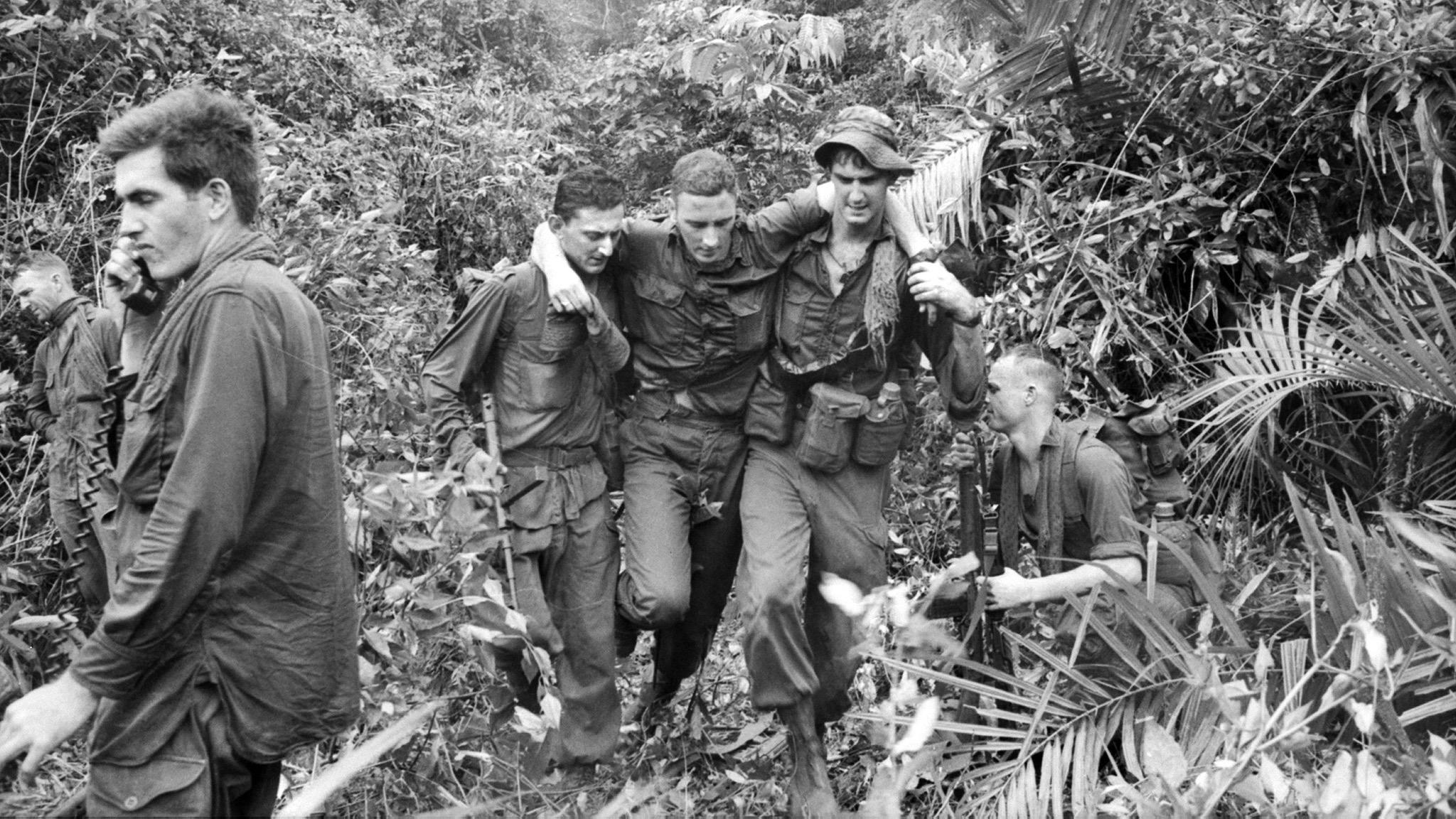 Helping hands 8 October 1966. Photo: Winston Coates. Australian War Memorial COA/66/0877/VN