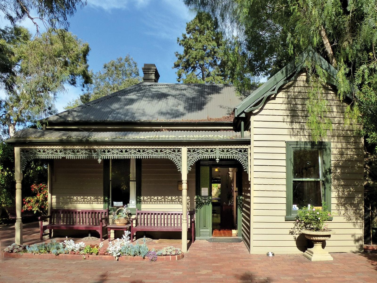 Plant Craft Cottage Open Sundays