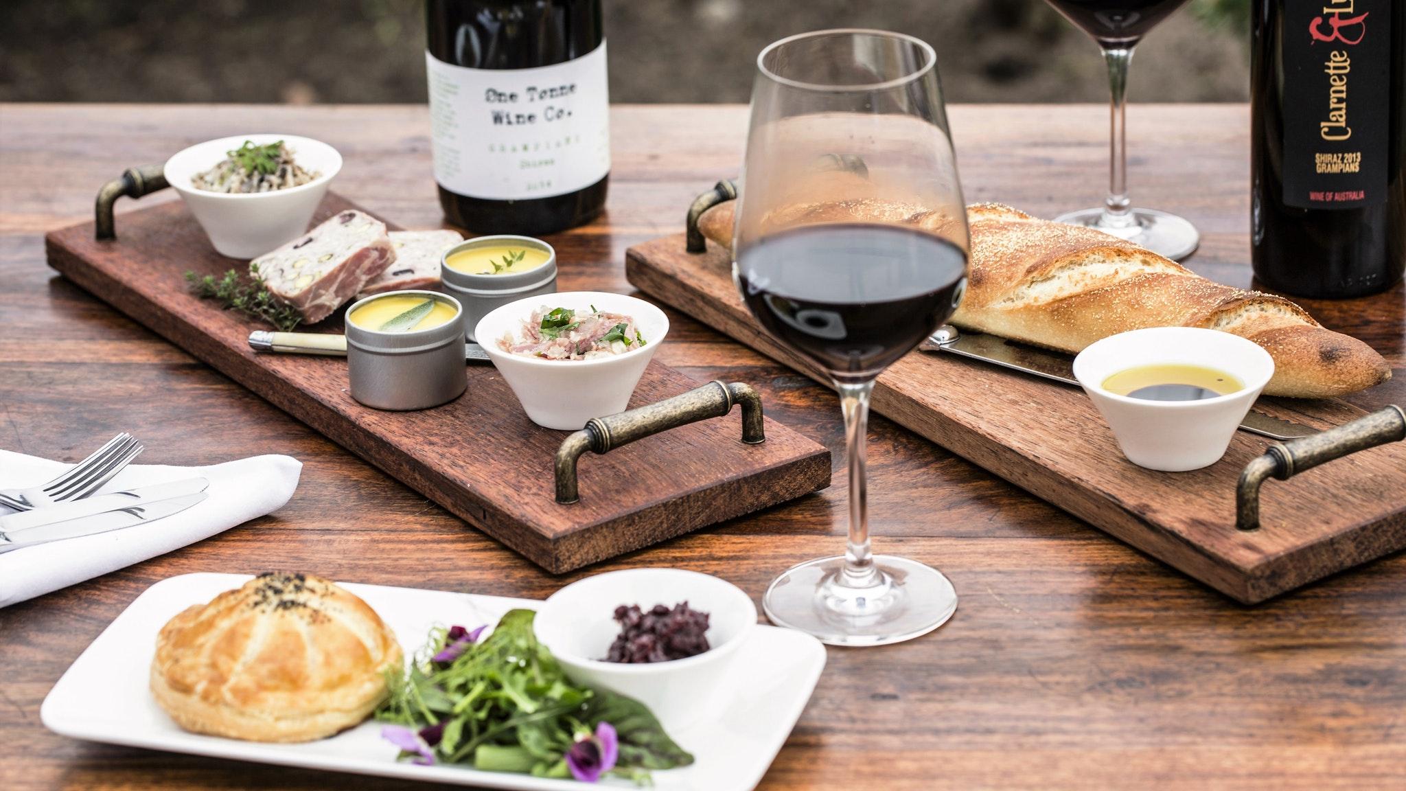 LIght lunches & Grampians Wine