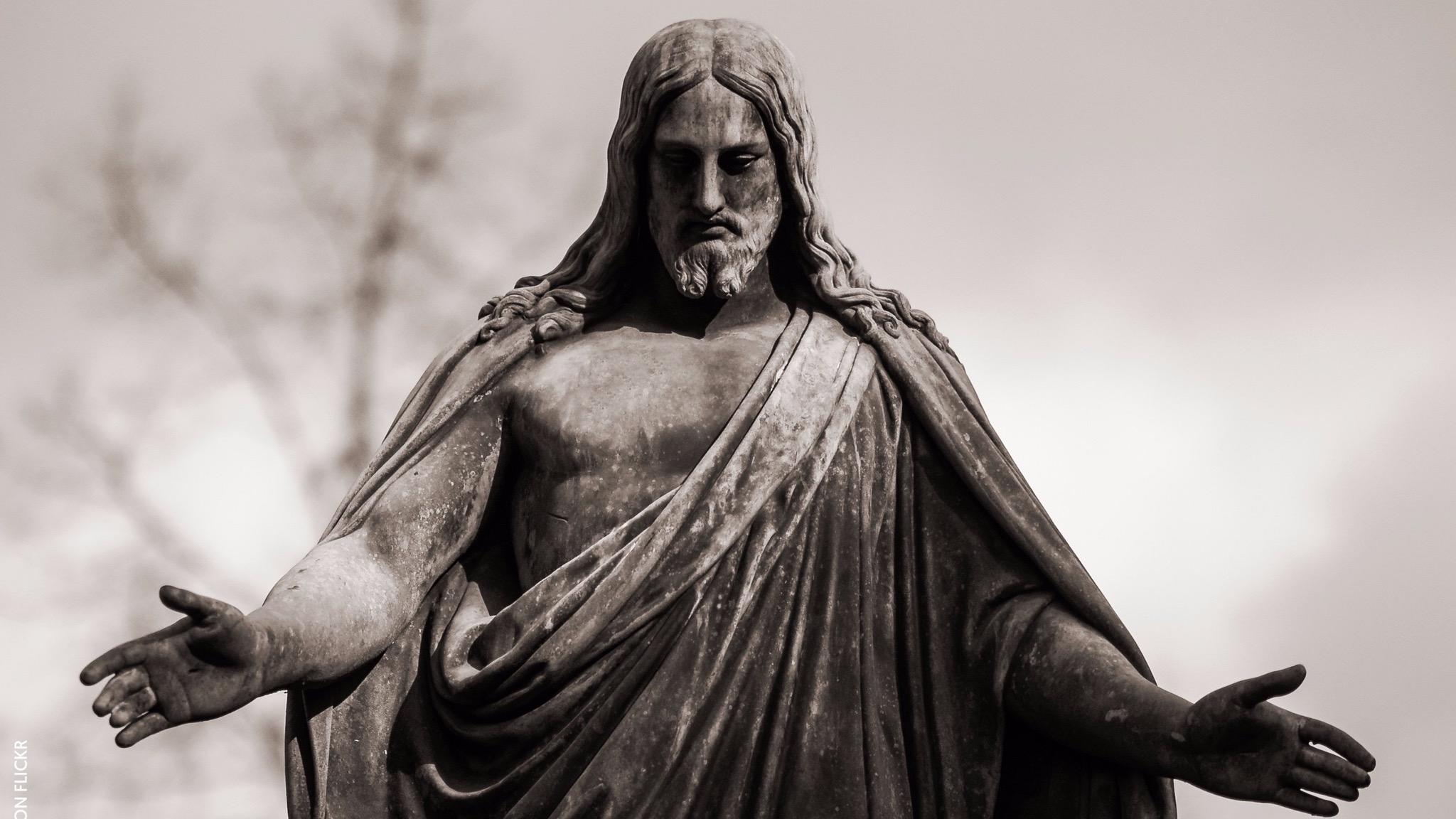 Status of Jesus in the Engesohde Cemetery, Hannover