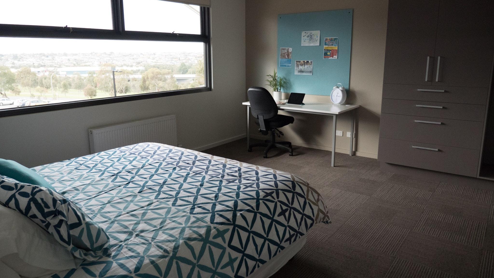 Deakin Waurn Ponds Units Accommodation Geelong The Bellarine - Bedroom furniture geelong