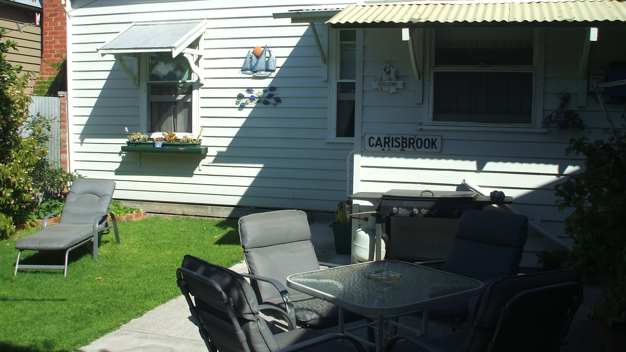 Carisbrook Cottage Outdoors