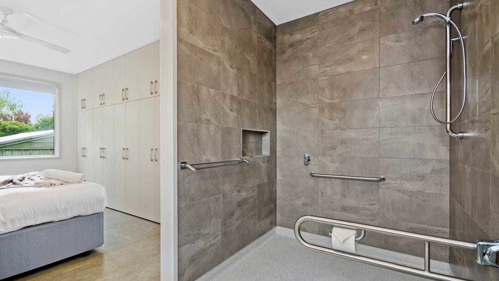 Accessible downstairs bathroom