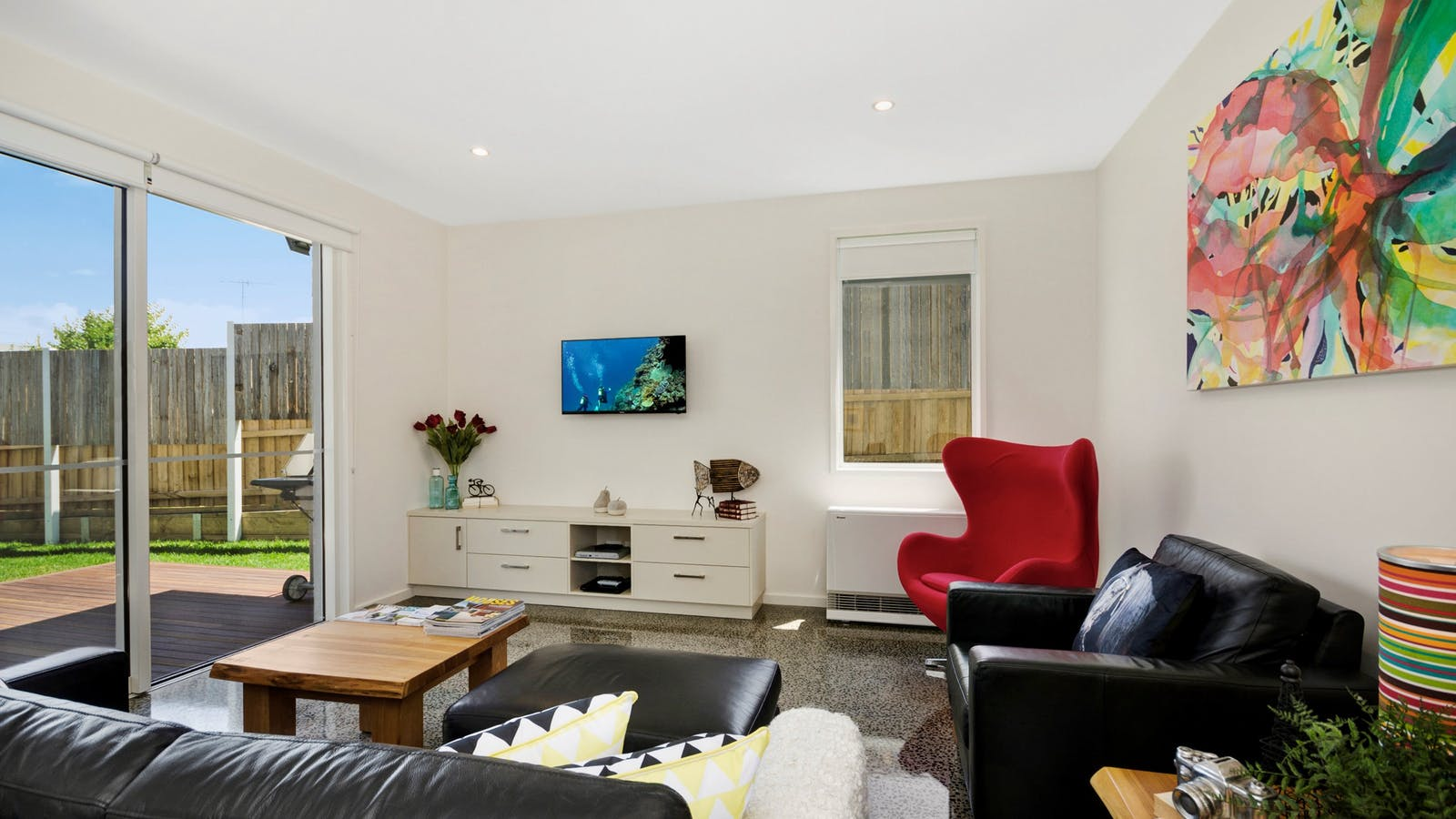 Bell Air Ocean Grove.  Main Living Room