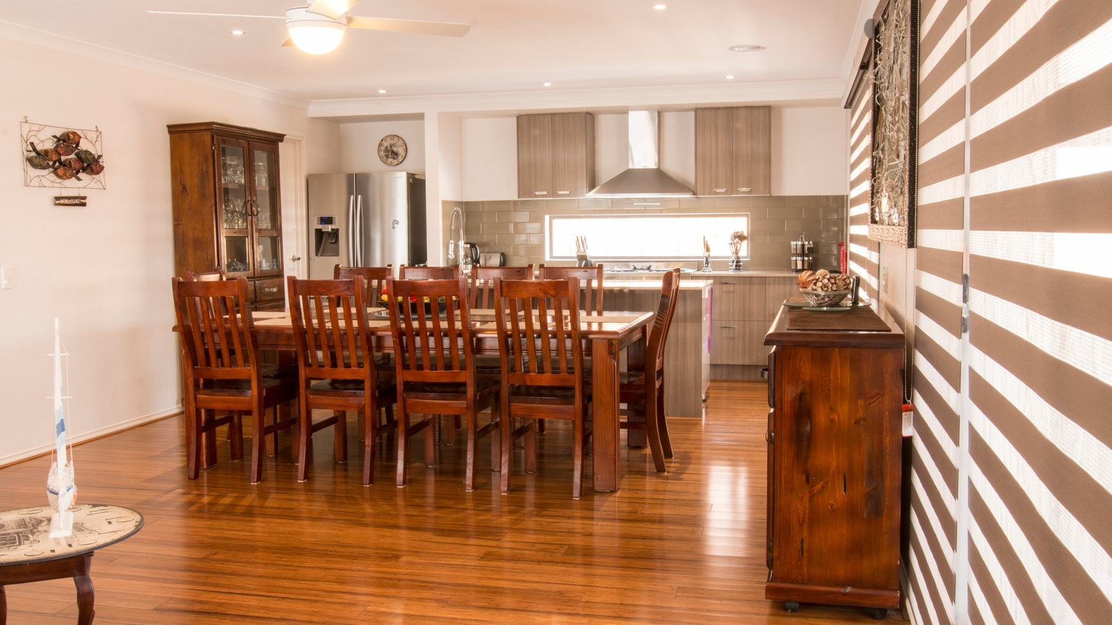 Large stove, 10 seater dining Room, Lounge family room