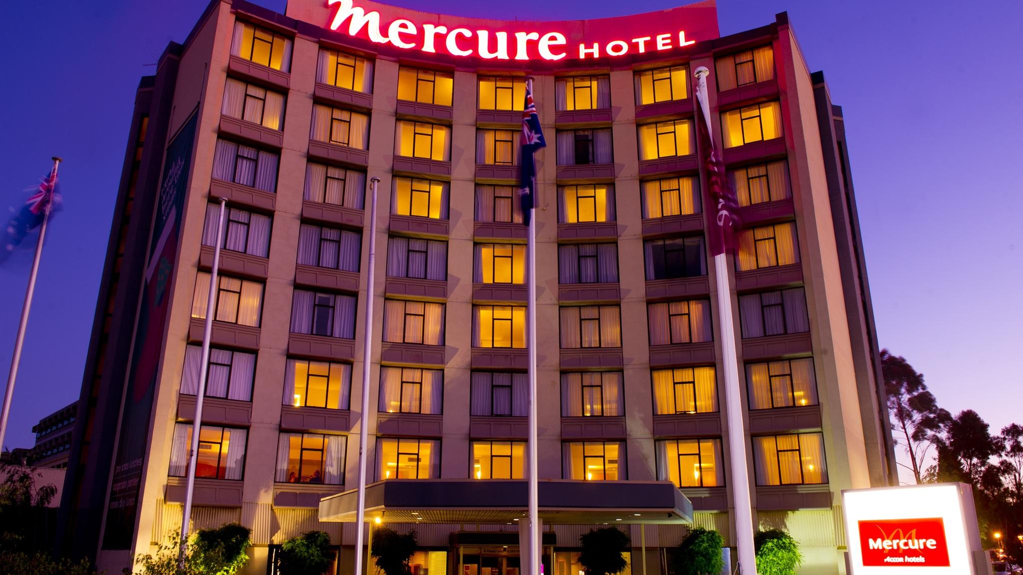 Exterior of Mercure Geelong