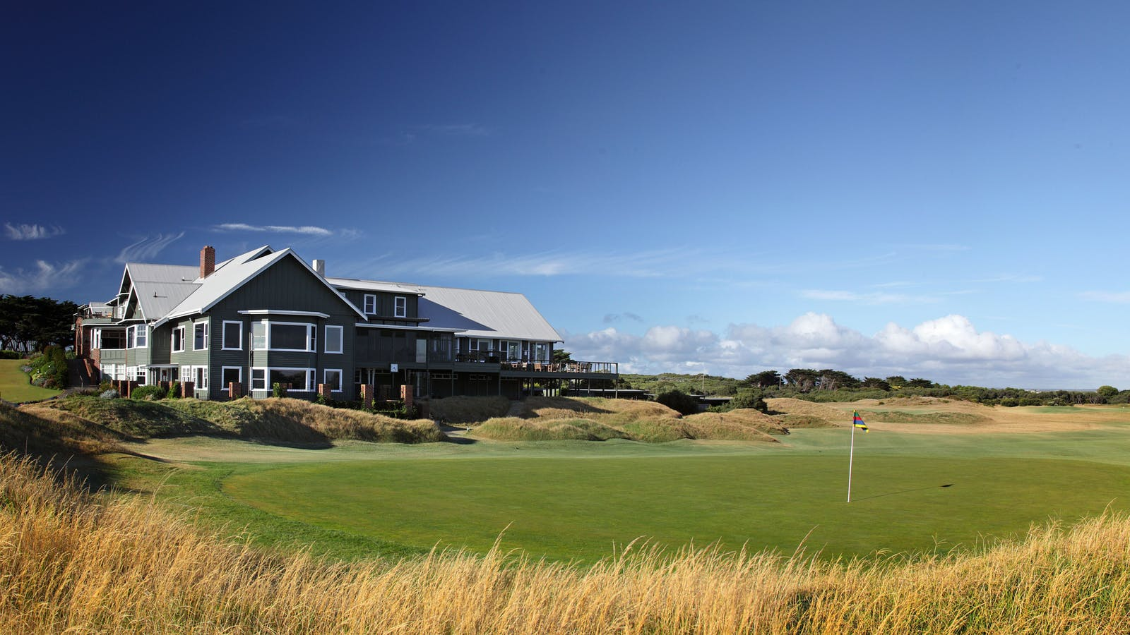 Clubhouse and 18th Green