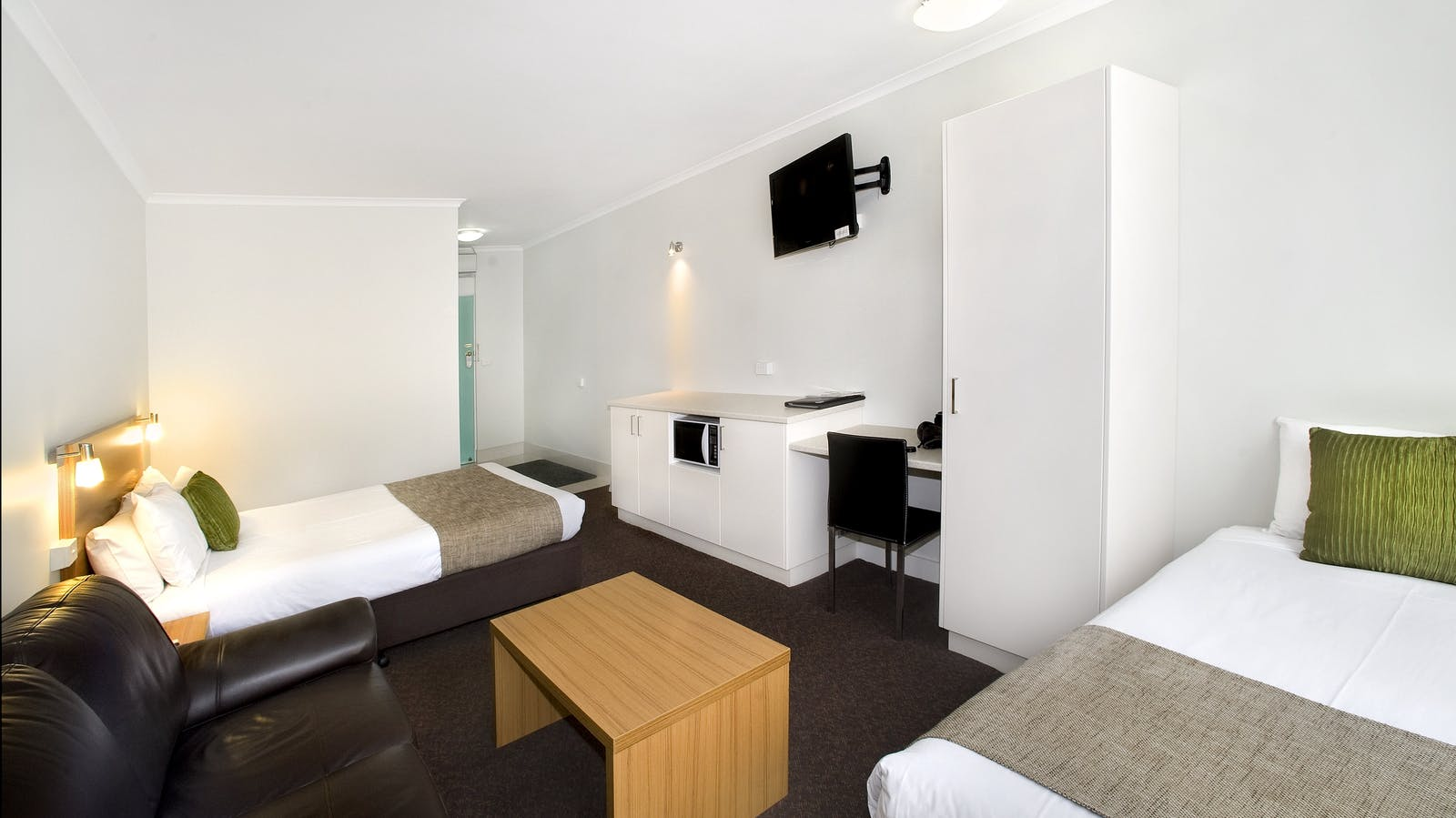 This room has a queen and single bed, sofa, microwave, toaster, tee & coffee making facilities, TV with free foxtel and private ensuite.