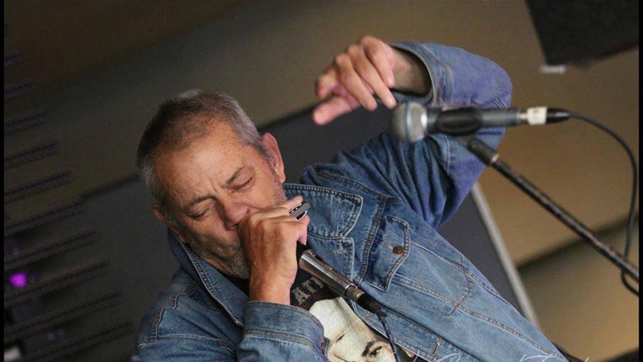 Blues Musician Chris Wilson - Free Live Music