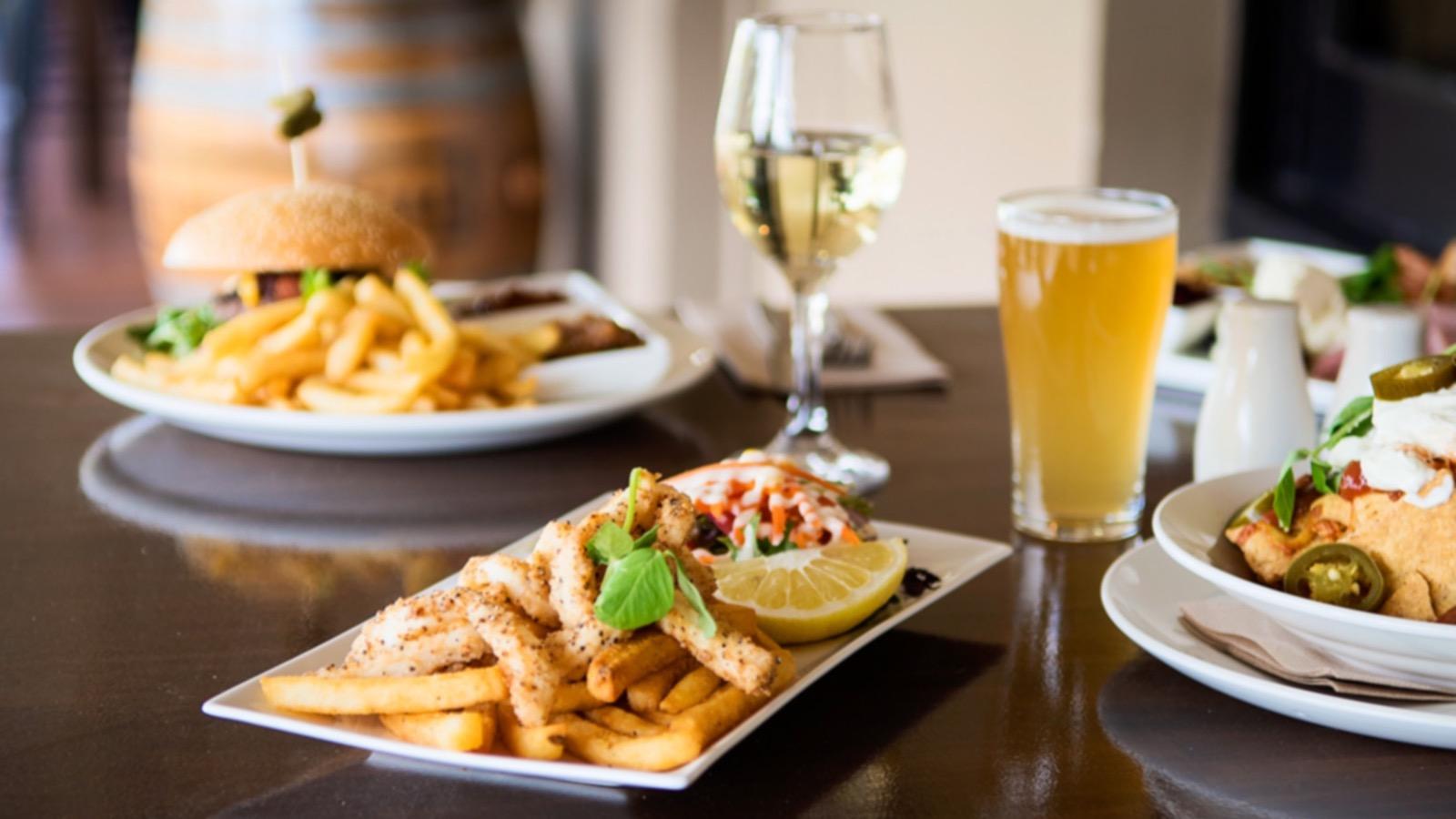 Salt and Pepper Calamaris, Angus Burger, Nachos, Wine and Craft Beer