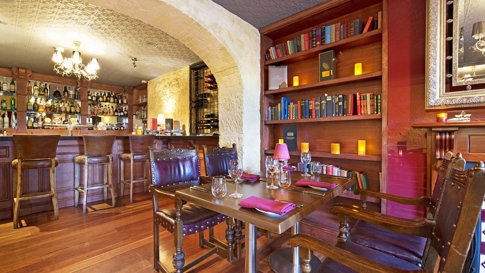 Lounge bar 1856