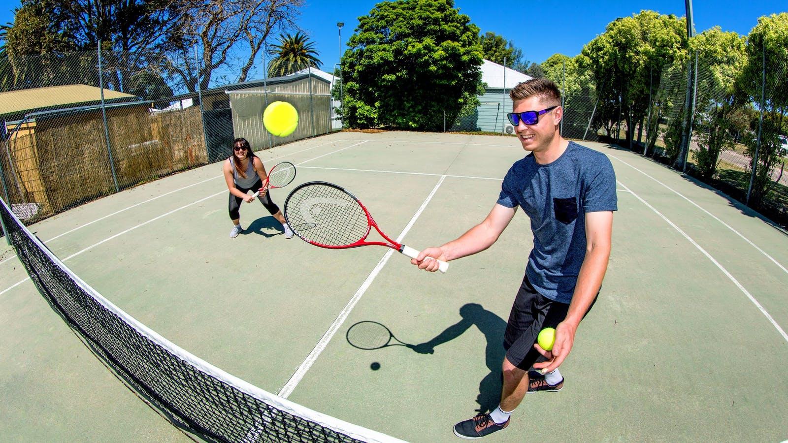 BIG4 Whiters Holiday Village Tennis Court