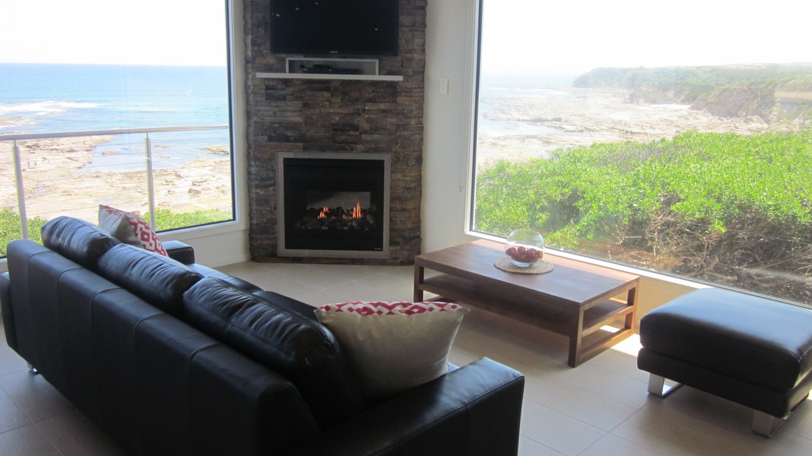 Oceanview Cottage relax with view & fire