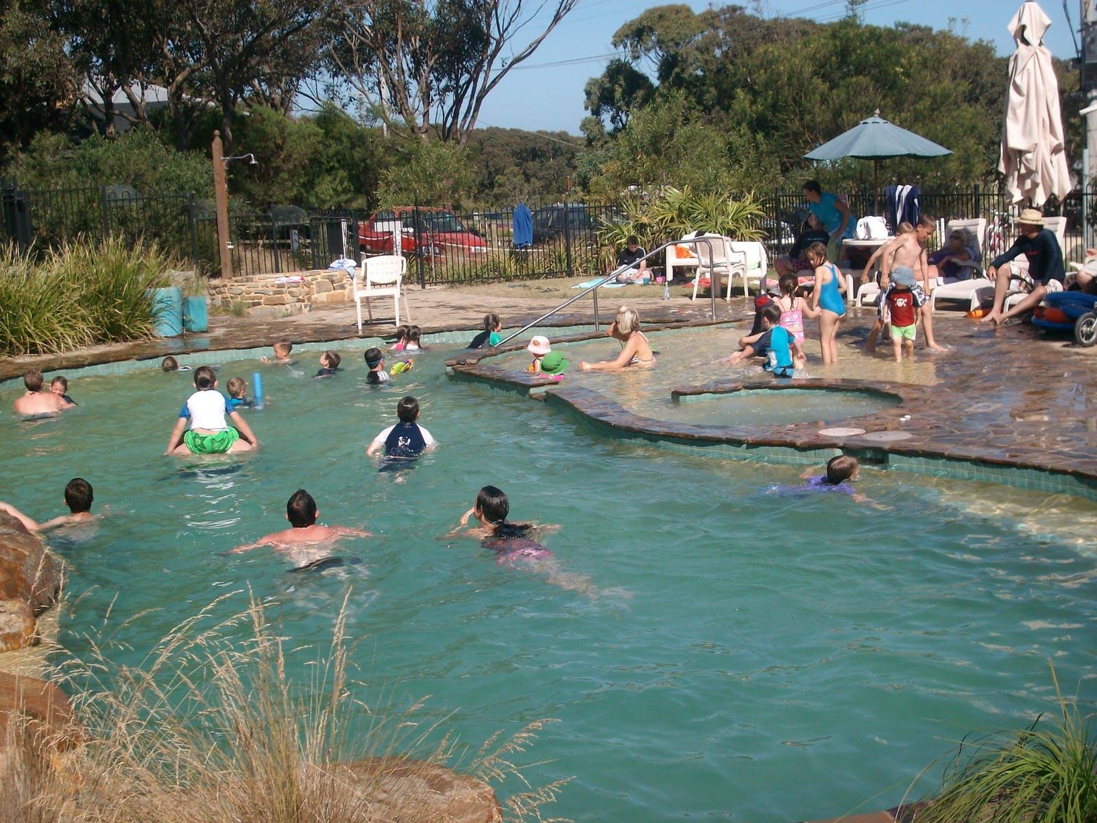 Lakes Pools