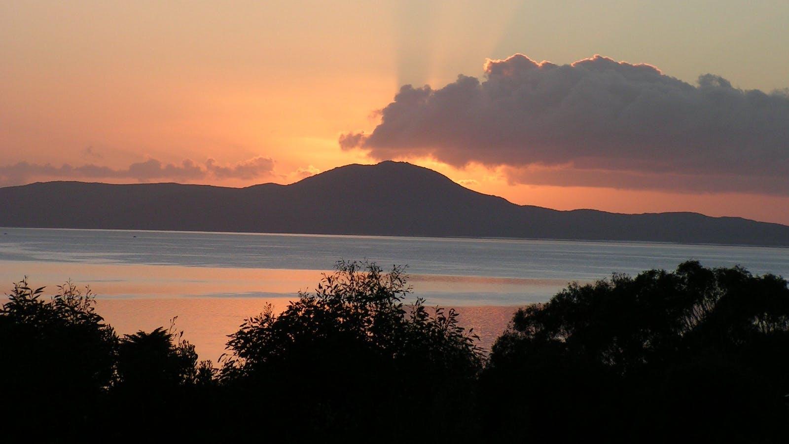 Autumn sunrise - Limosa Rise