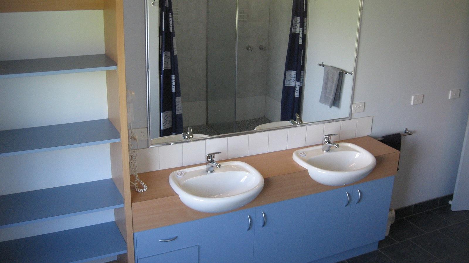 Group Lodge bathroom at Prom Coast Holiday Lodge