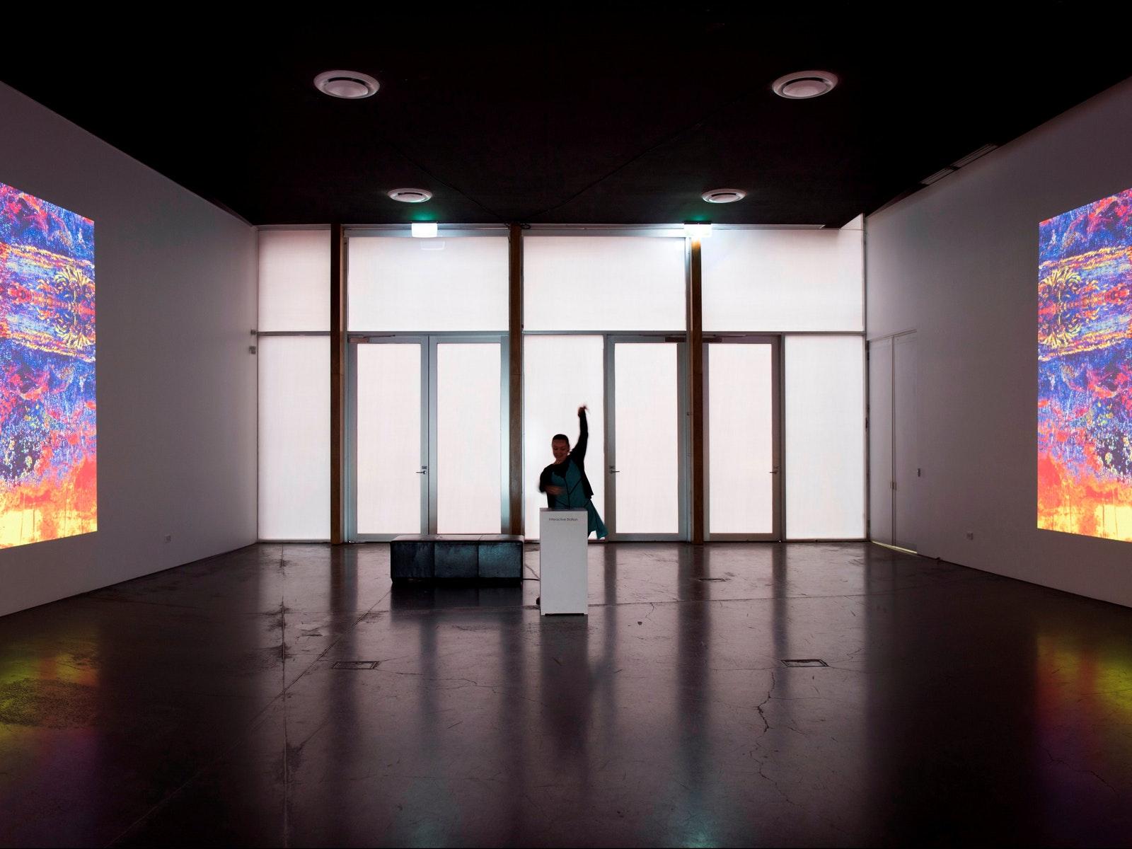 Roger Alsop - Home