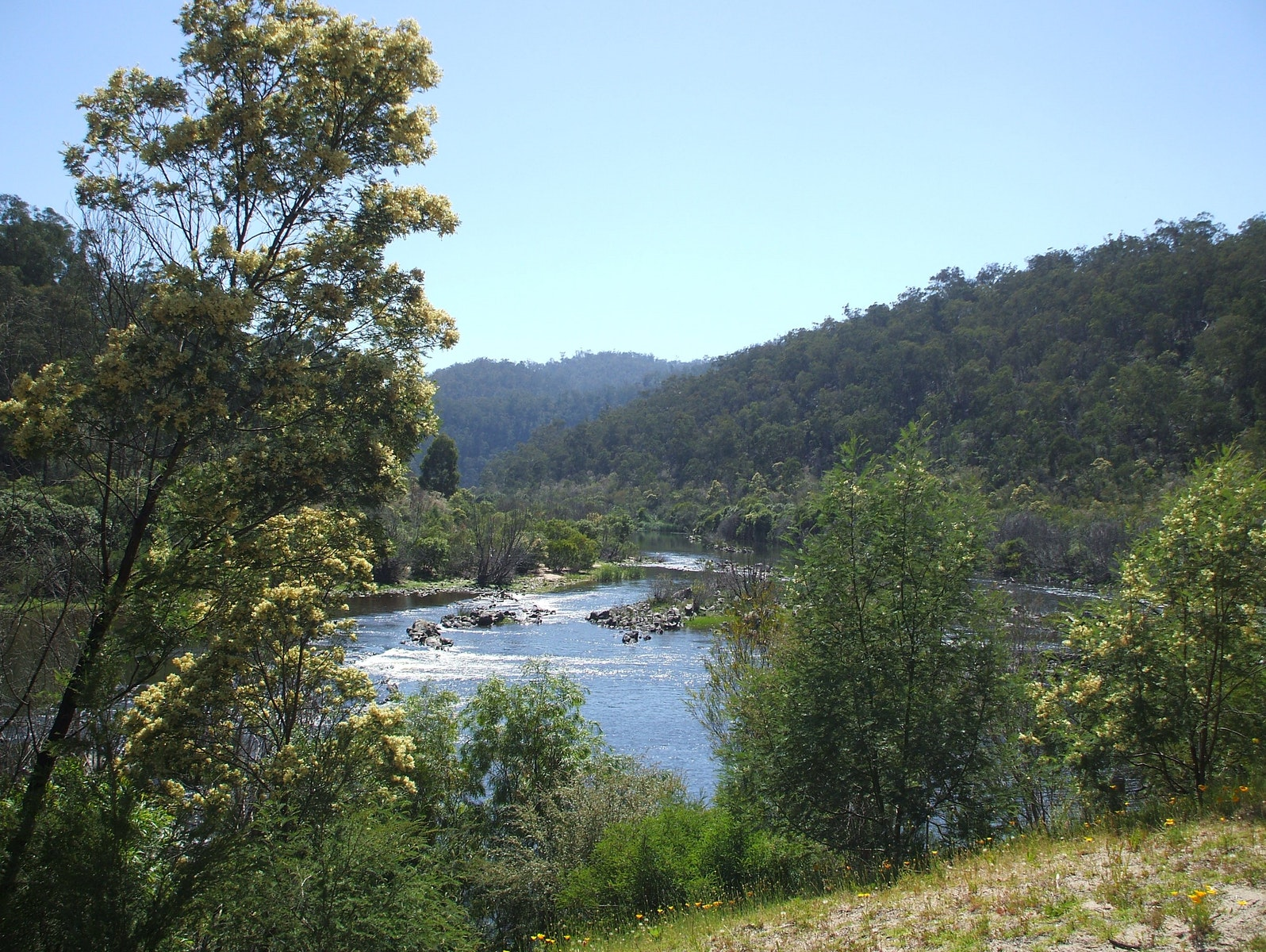 Snowy River, magnificent mountains