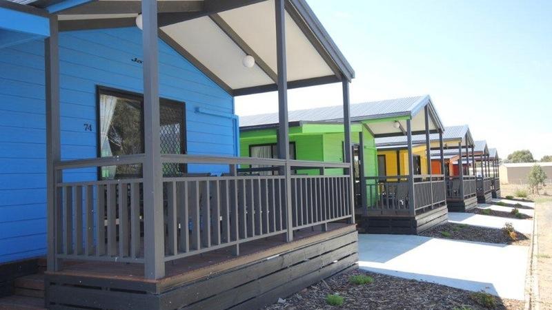 Bendigo Park Lane Holiday Park bright colours