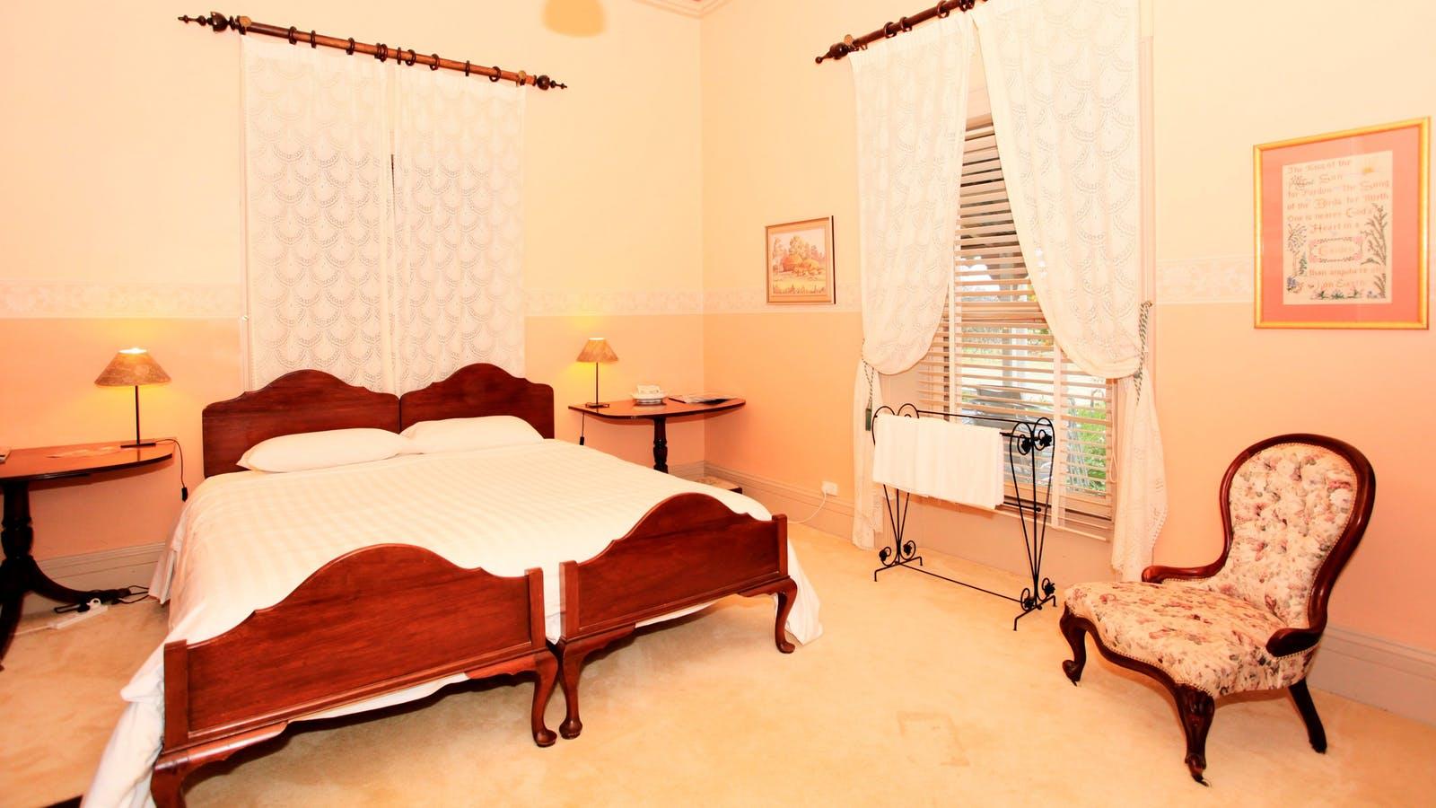 Homestead - King Bedroom