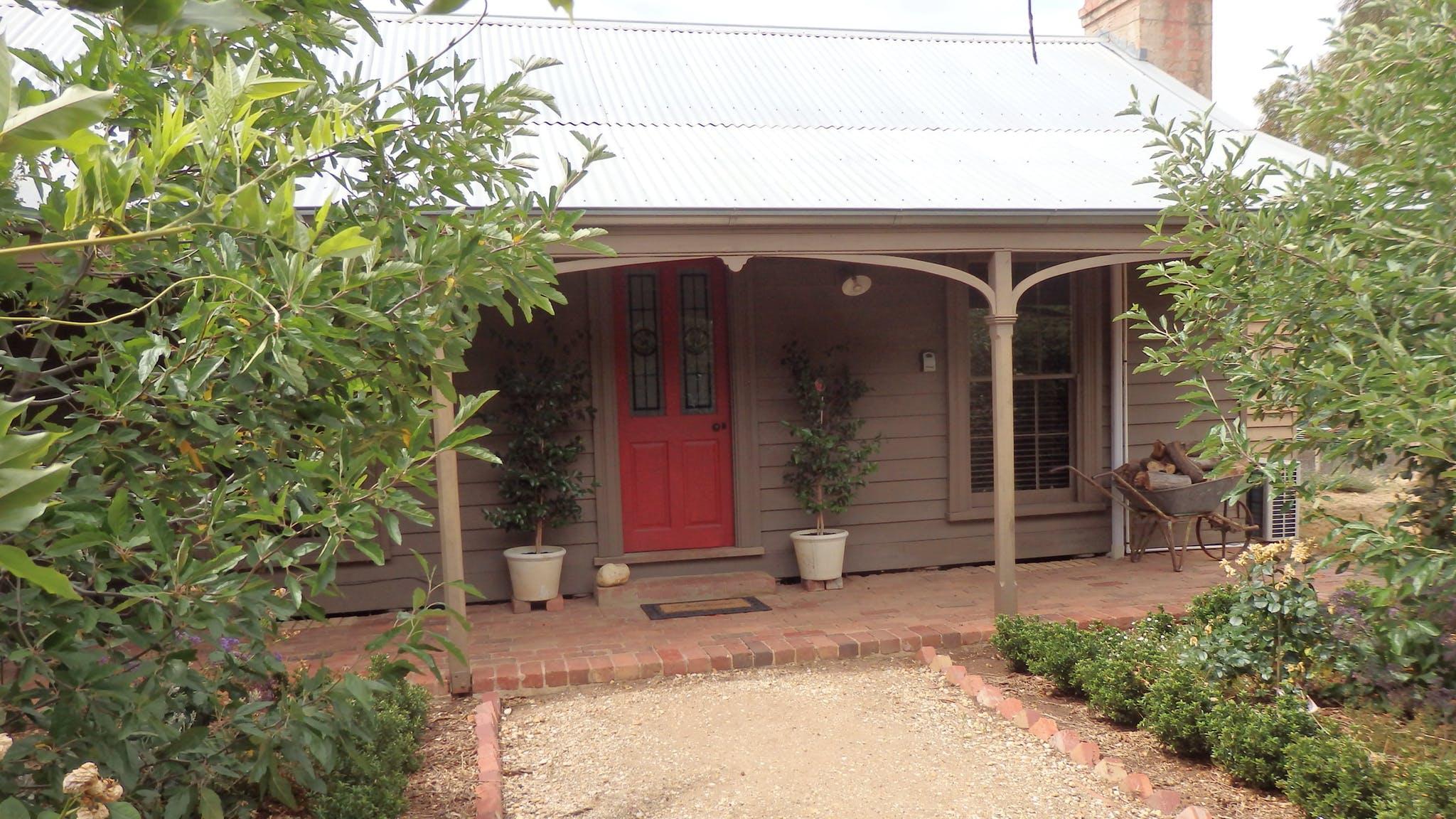 The front of Quartz Cottage