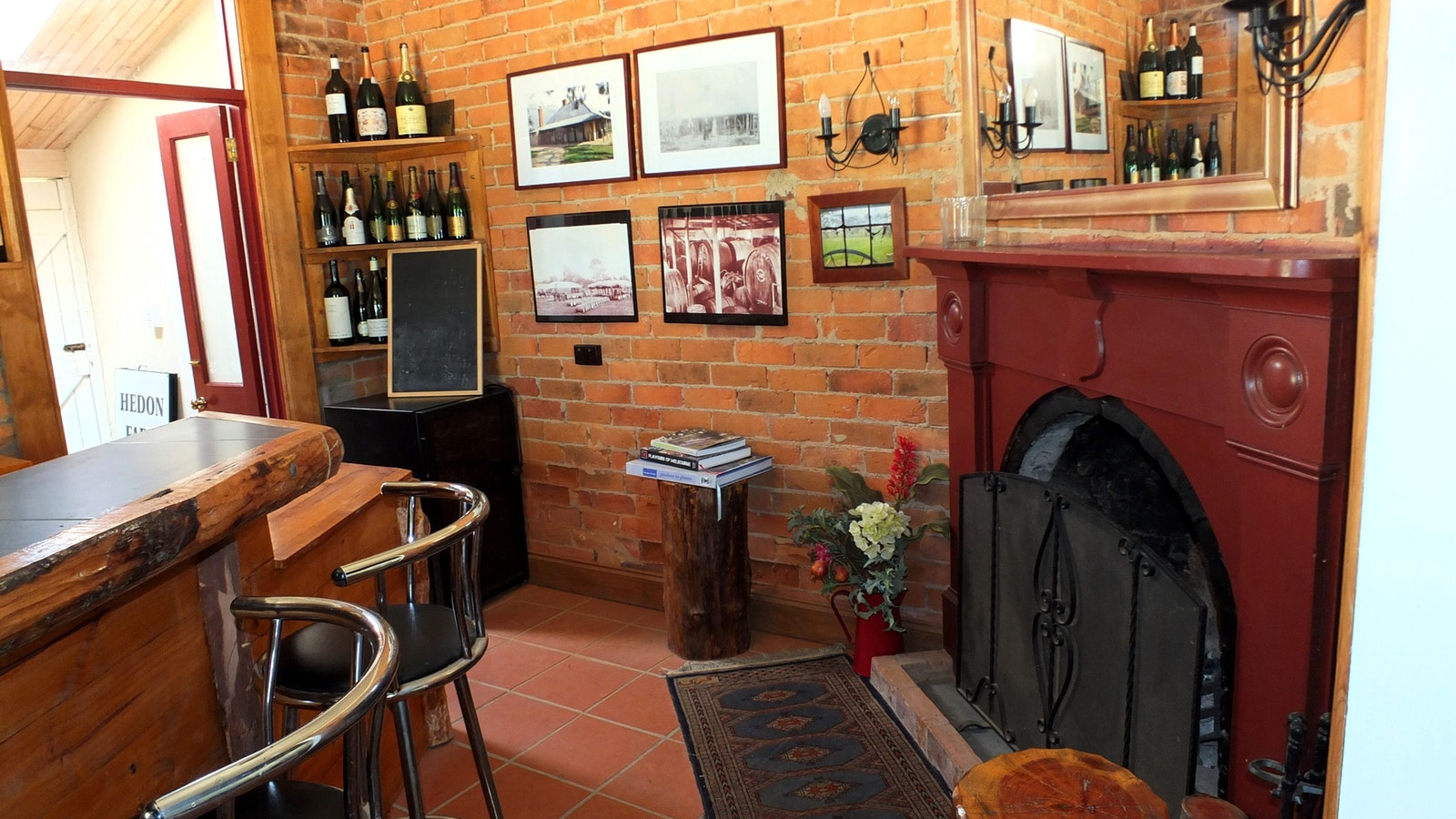 Cosy bar area with OFP