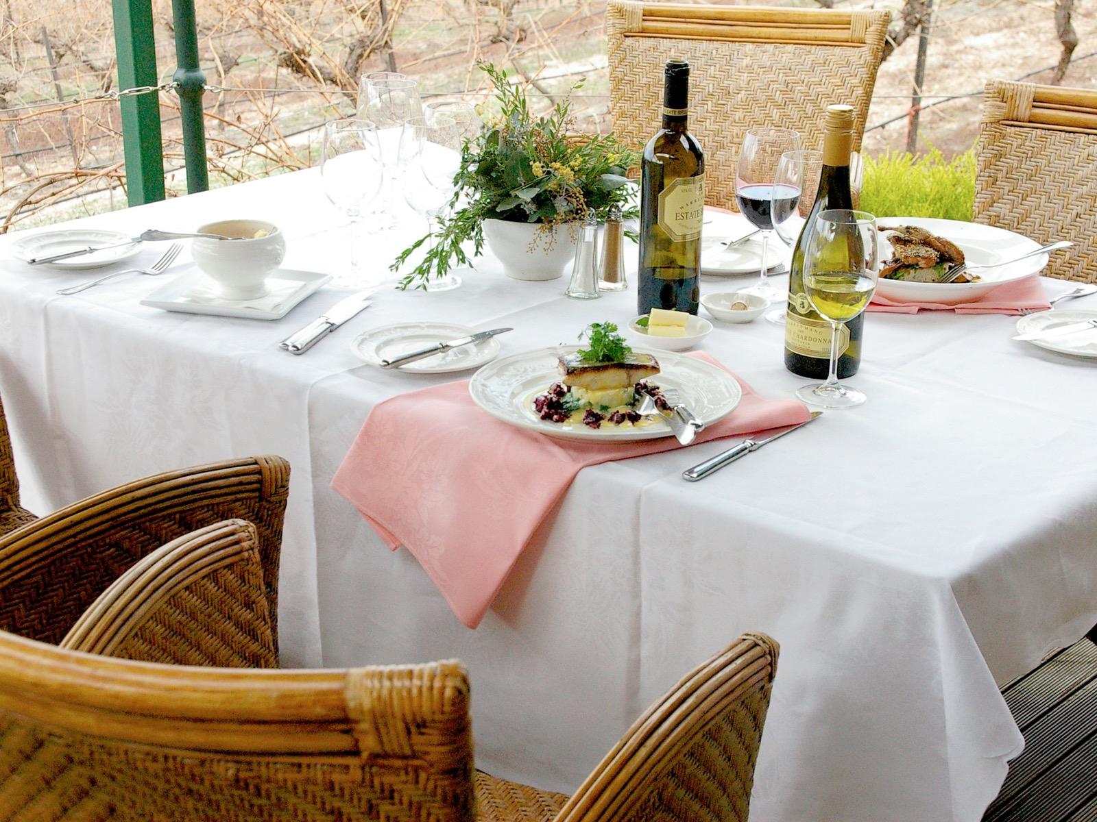Al fresco dining on the deck