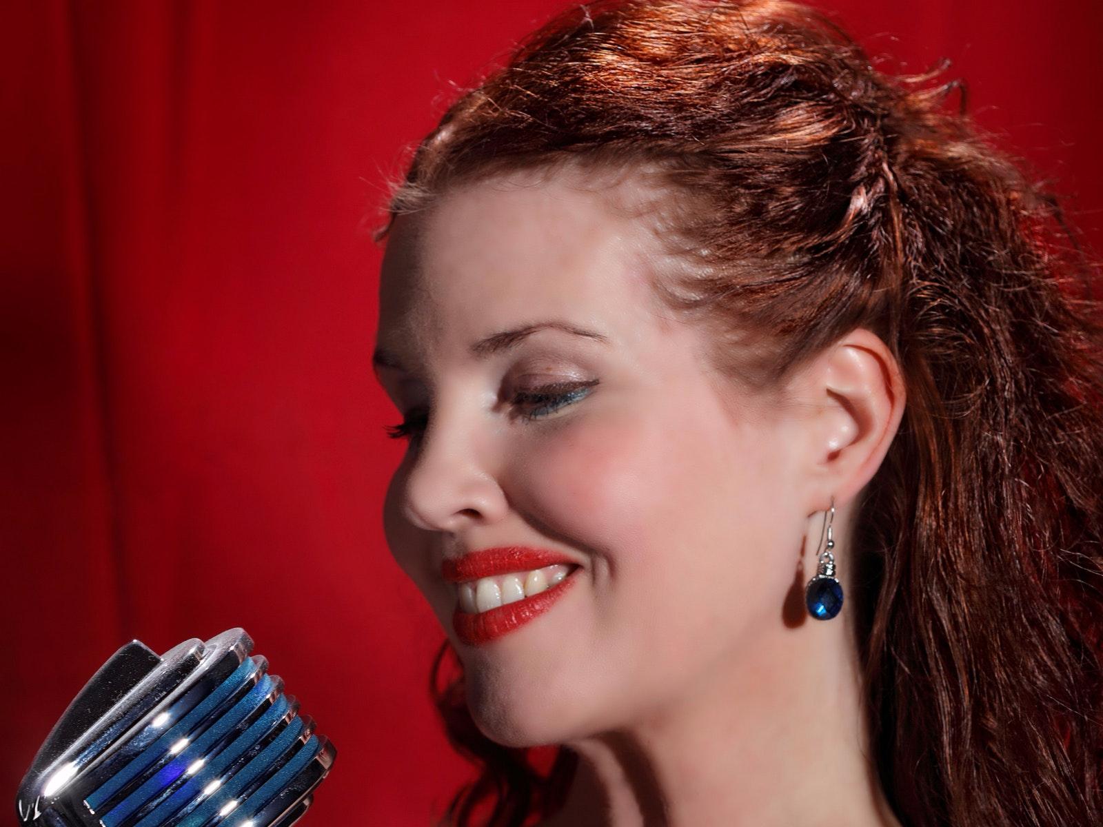 Sarah MacLaine