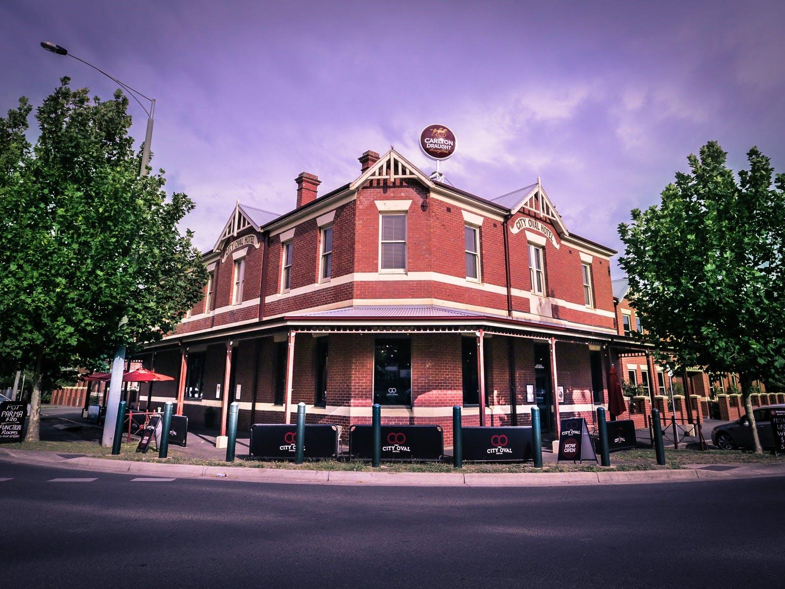 City Oval Hotel