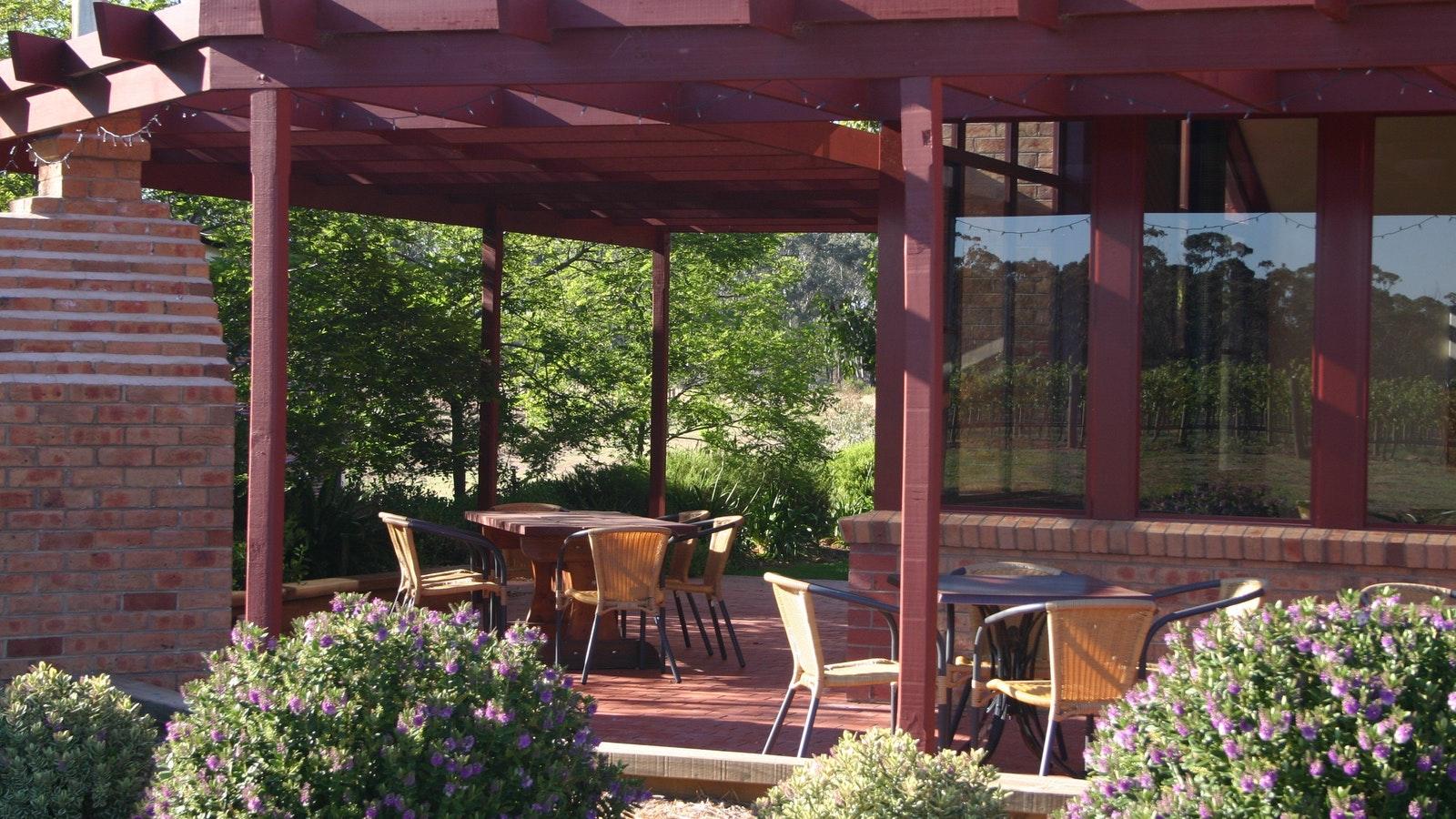 Tasting room patio at Sandhurst Ridge