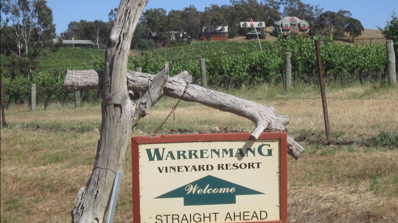 Warrenmang vineyard - PYRENEES