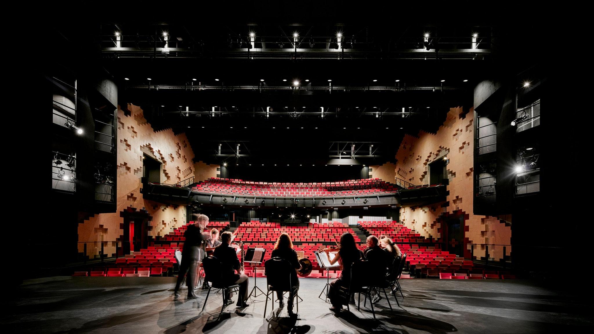 Ulumbarra Theatre - Stage