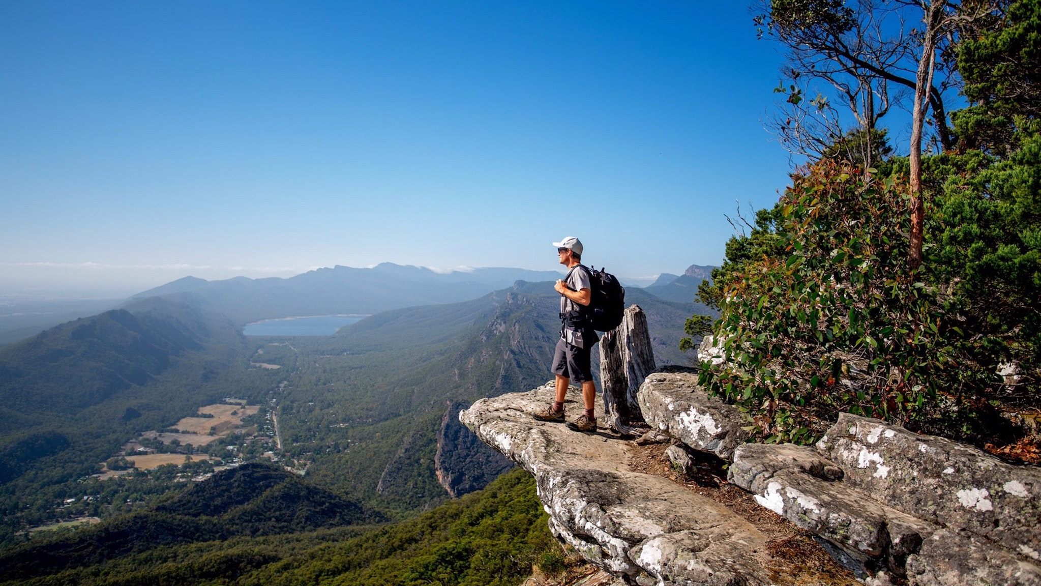 Walk to magnificent Grampians views