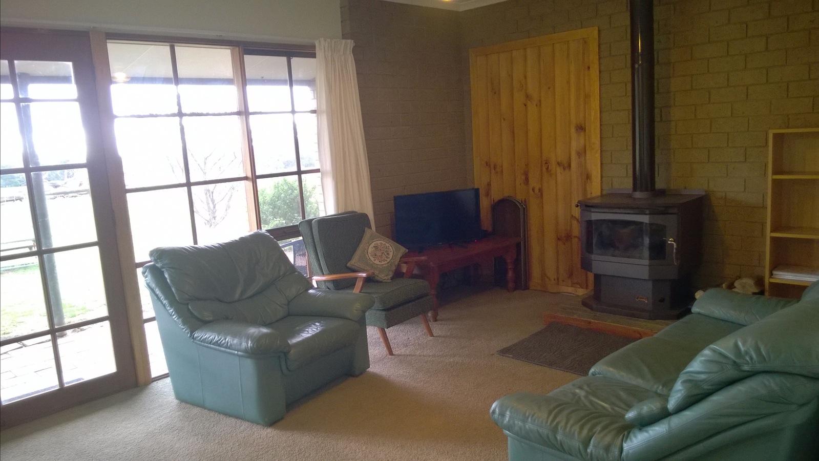 3 bedroom lounge
