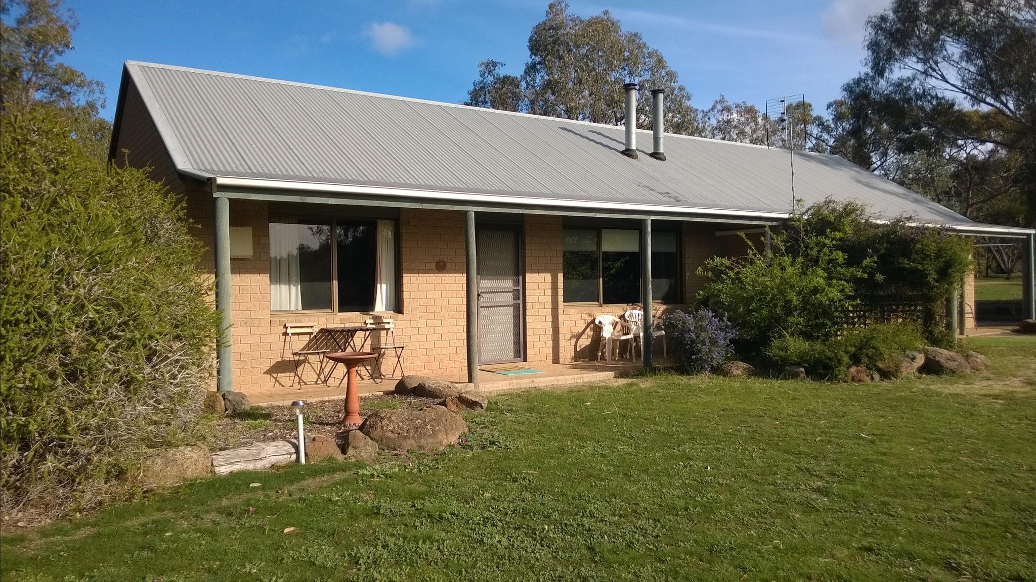 2 bd cottage