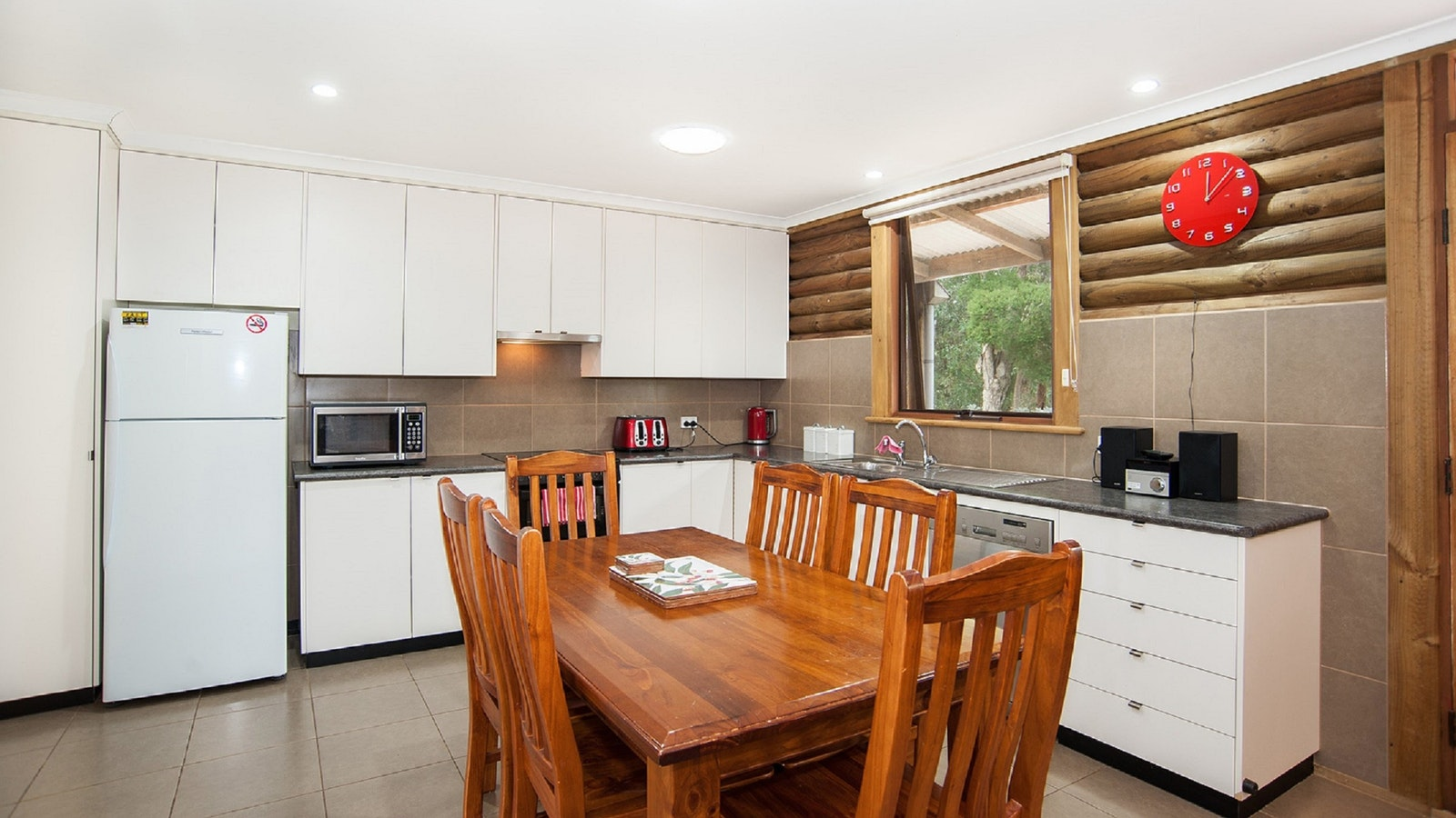 Full modern kitchen facilities