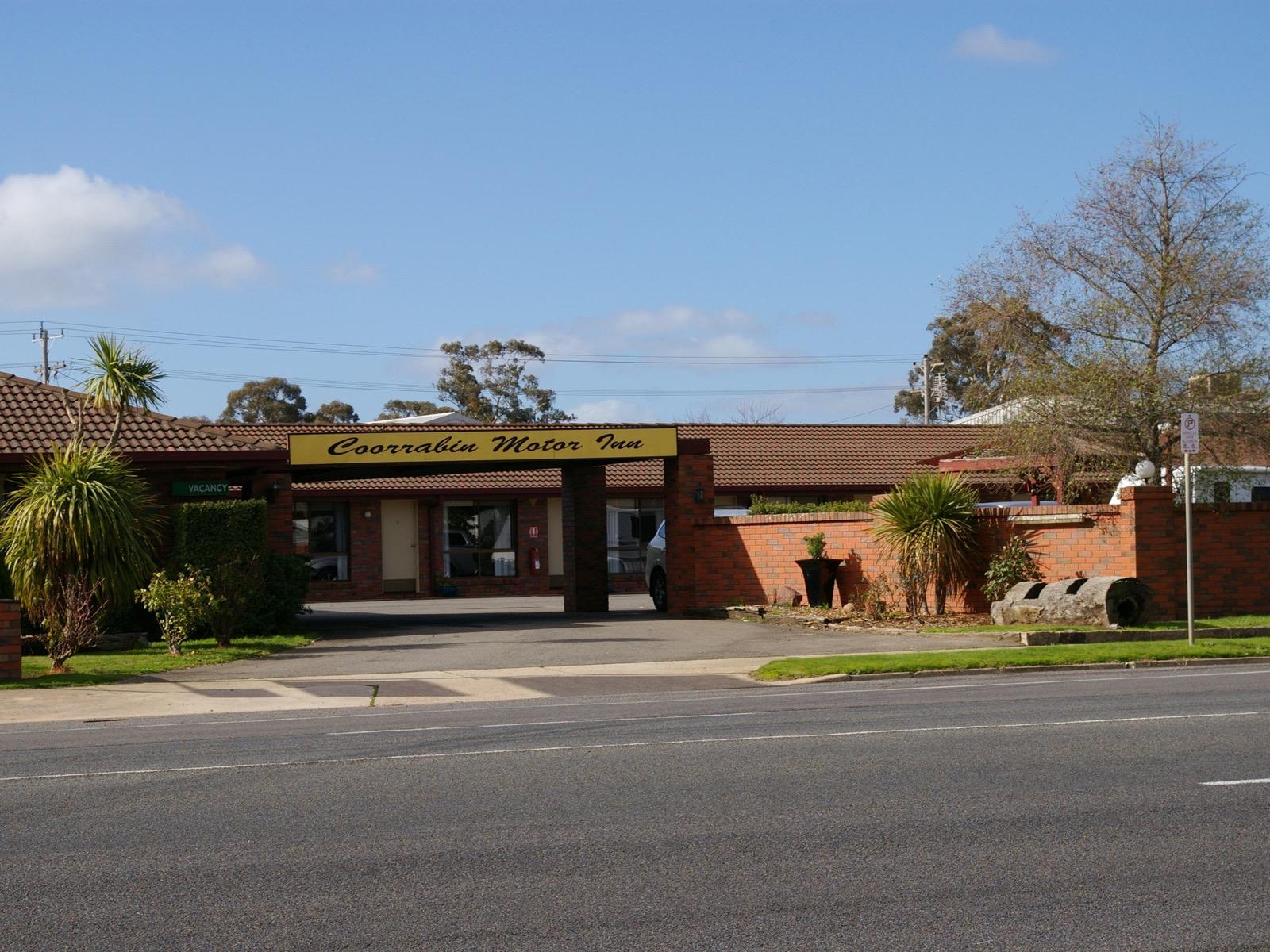 Coorrabin Motor Inn