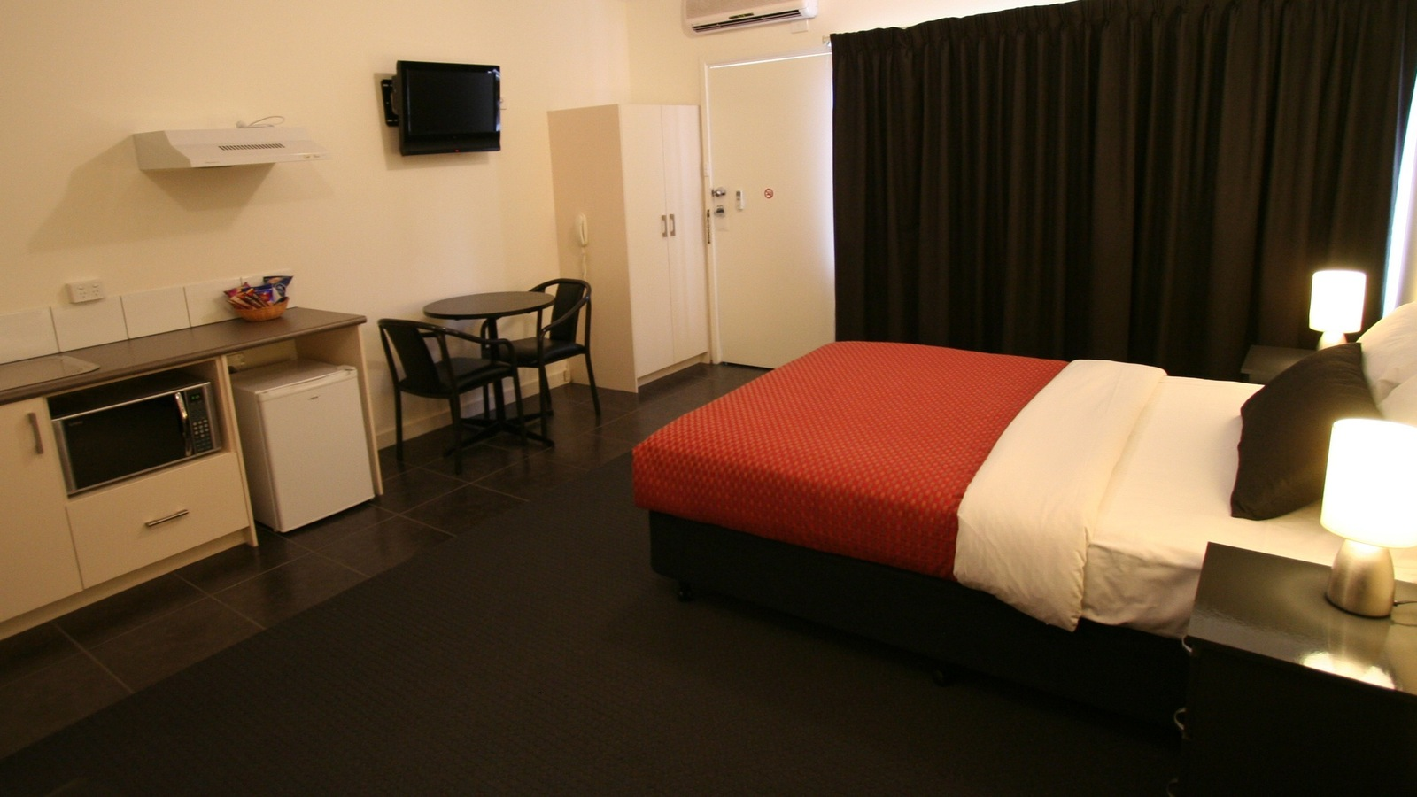 Deluxe Room Spacious with Kitchenette