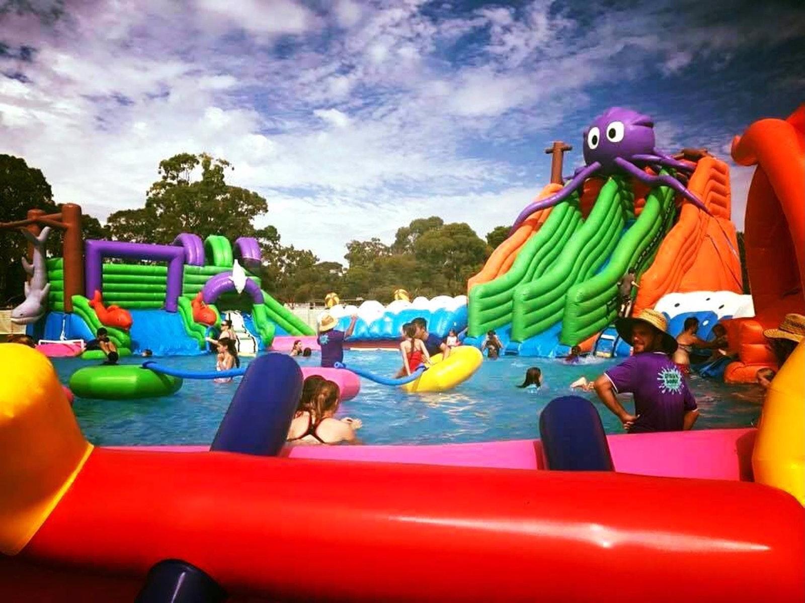 Splash 'N' Bounce