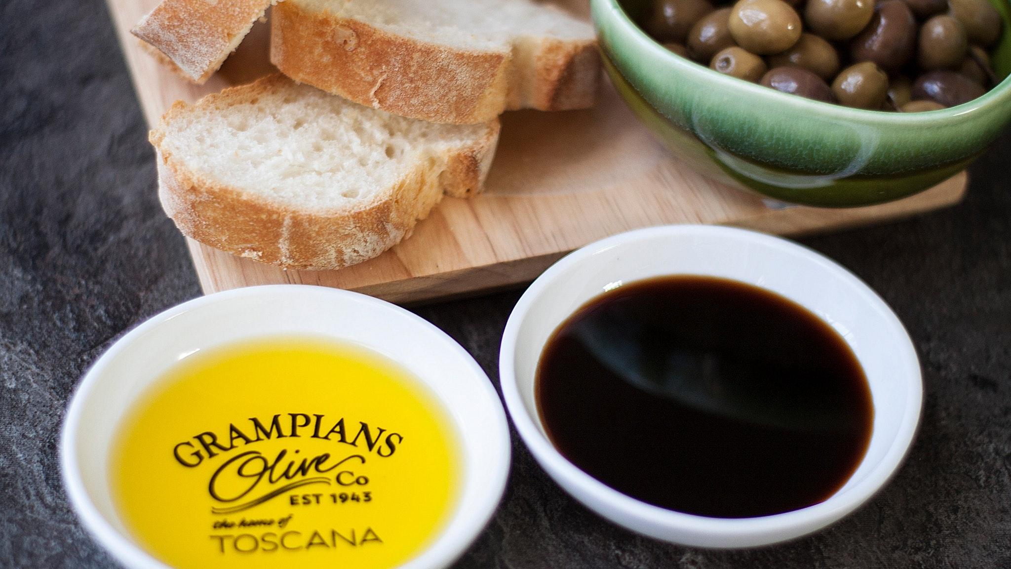 Organic olive oil, balsamic vinegar, olives