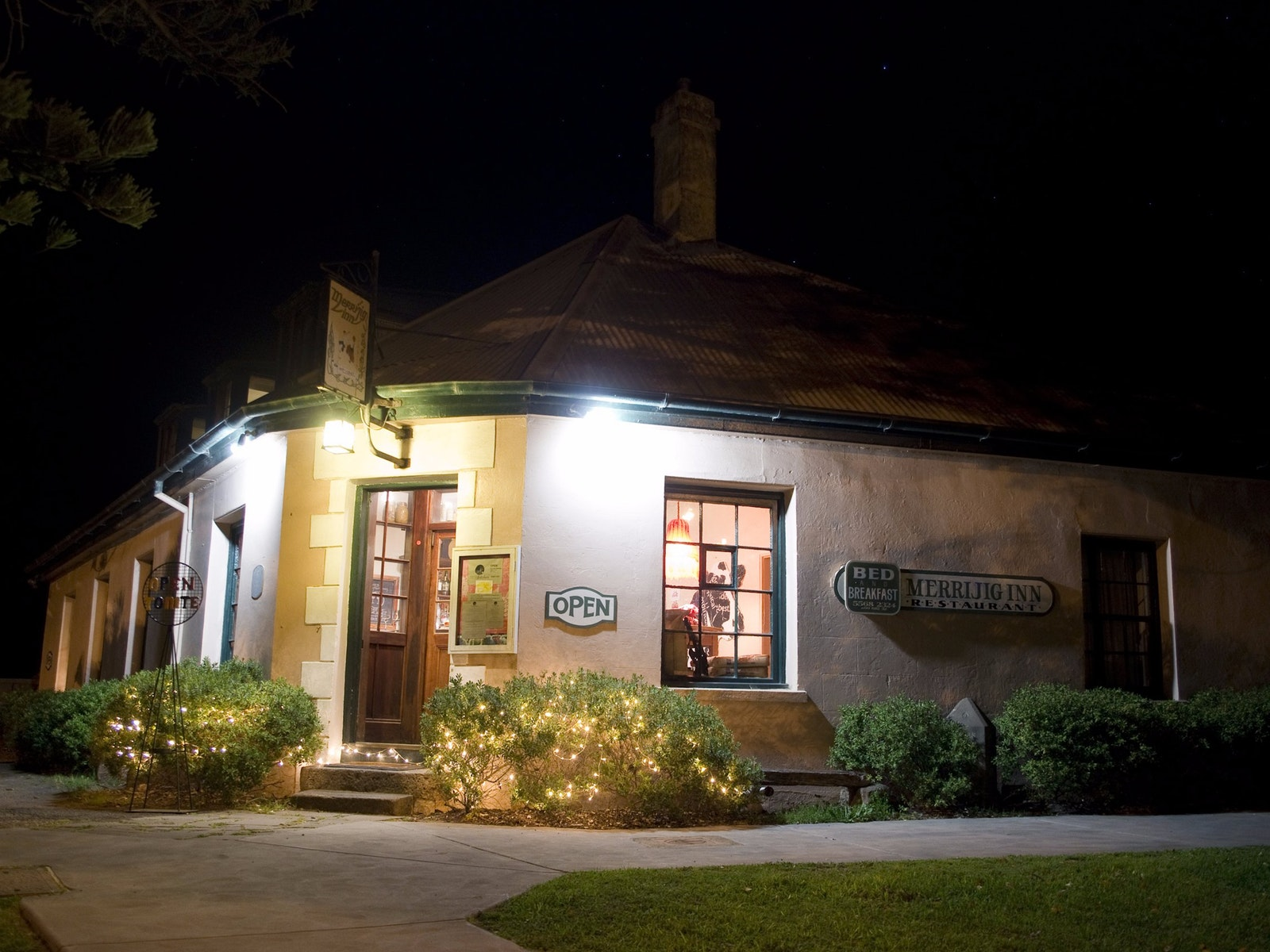 Merrijig inn at night