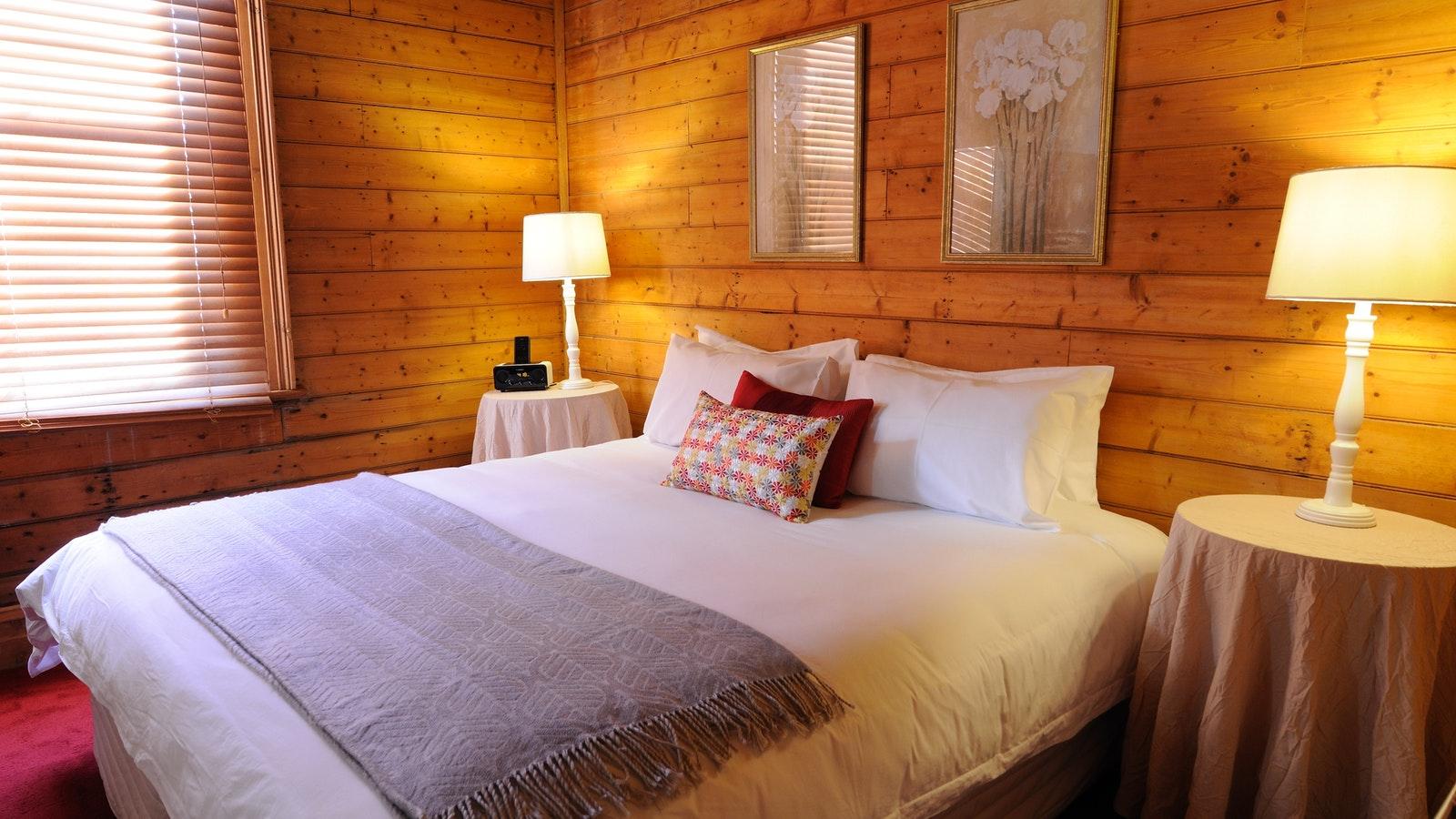 Merrijig Inn - King Suite