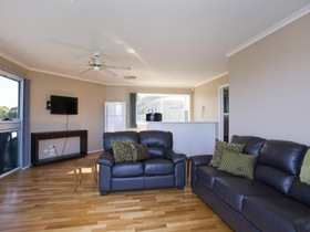 Torquay Accommodation Centre