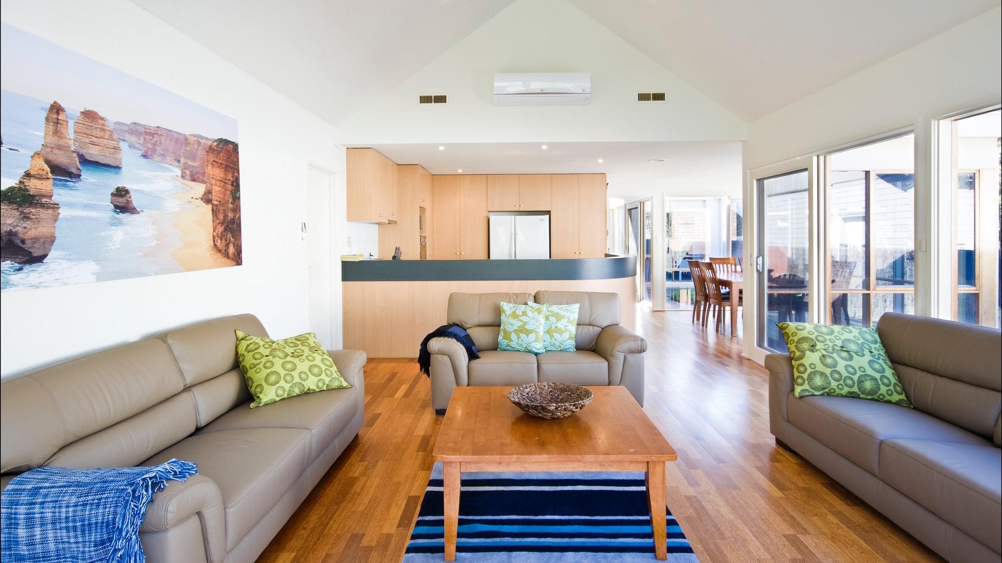 Beach Road, Torquay - Living area