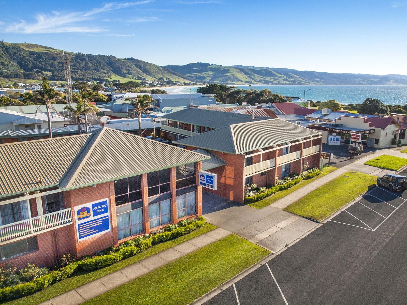 Accommodation great ocean road victoria australia for Blue sea motor inn