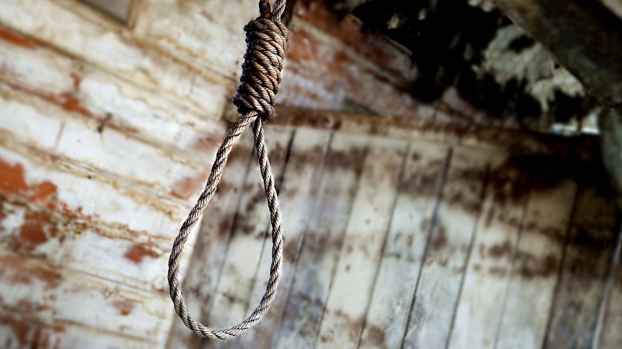 noose hanging in barn